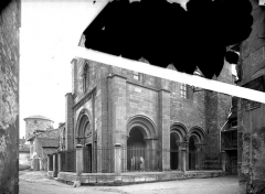 Abbaye de Charlieu - Eglise - Narthex : Ensemble nord-ouest