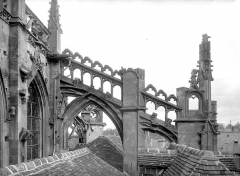 Eglise Saint-Gervais-Saint-Protais - Abside : Arc-boutant