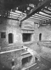 Château - Tour Raoul, intérieur, rez-de-chaussée et premier étage