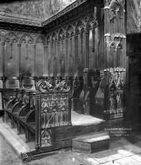 Eglise abbatiale Saint-Robert - Stalles