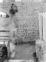 Remparts, enceinte de la ville et ses dépendances - Porte de la Barbacane