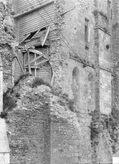 Abbaye et dépendances - Chapelle Saint-Etienne : Angle sud-ouest