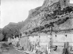 Enceinte des Fanils - Mur de la montée du Poulin, au sud