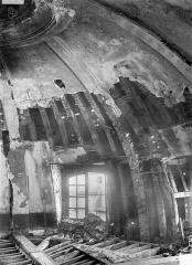 Ancien hôtel Tubeuf, ou hôtel Colbert de Torcy - Vue intérieure de la coupole : cordon en pierre sous la charpente