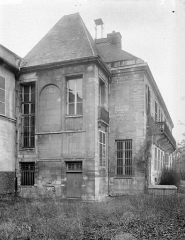 Château de Conflans - Pavillon de gauche, au sud