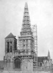 Eglise Saint-Pierre, ancienne cathédrale - Clocher échafaudé : partie supérieure