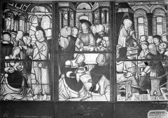 Eglise - Vitrail : sainte Madeleine