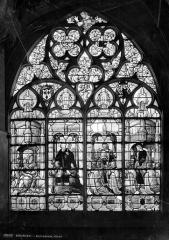 Cathédrale Saint-Etienne - Vitrail : Adoration de la Vierge par des donateurs accompagnés de leurs patrons