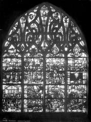Cathédrale Saint-Etienne - Vitrail : vie de saint Vincent et de saint Laurent