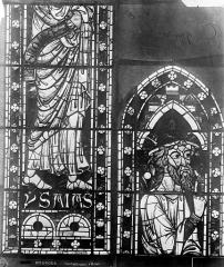 Cathédrale Saint-Etienne - Vitrail : Isaïe