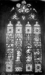 Cathédrale Notre-Dame - Vitrail : fenêtre haute du choeur