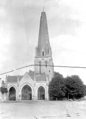 Eglise Saint-Gervais-Saint-Protais - Vitrail, tympan