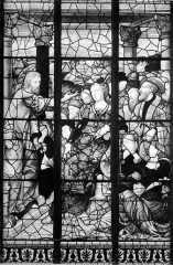 Ancienne abbaye de la Trinité - Vitrail : figures