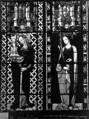 Cathédrale Saint-Etienne - Vitrail, sixième fenêtre, sainte Barbe, sainte Ursule