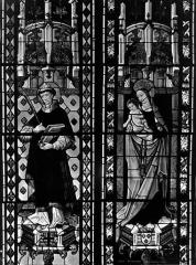 Cathédrale Saint-Etienne - Vitrail, sixième fenêtre, saint Etienne, Vierge et l'Enfant