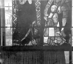 Cathédrale Saint-Etienne - Vitrail, 6e baie (détail) : donateur