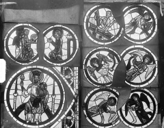Cathédrale Saint-Etienne - Vitrail : tympan