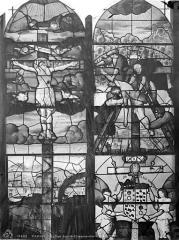 Eglise Saint-Etienne-du-Mont - Vitrail de la haute nef : Crucifixion. Descente de croix