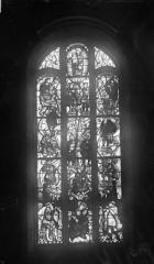 Eglise Saint-Mathurin - Vitrail : une baie
