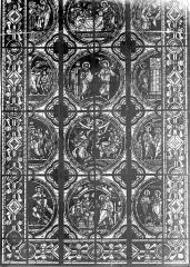 Cathédrale Saint-Pierre - Vitrail, baie C : scènes légendaires