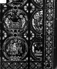 Cathédrale Saint-Pierre - Vitrail, fenêtre A, figure ornementation