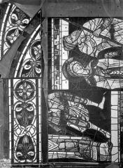 Cathédrale Saint-Pierre - Vitrail, baie B : figure et ornementation