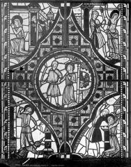 Eglise Saint-Pierre - Vitrail de sainte Marguerite