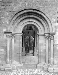 Ancienne abbaye - Portail latéral du porche nord