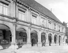 Hôtel de ville - Façade : Galerie d'arcade