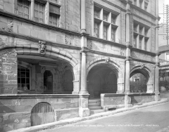Maison dite de François Ier - Façade sur rue : Galerie du rez-de-chaussée