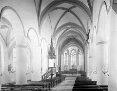Ancienne abbaye - Vue intérieure de la nef, vers le nord-est