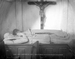Eglise Saint-Martin - Tombeau du chevalier et de sa femme : gisants