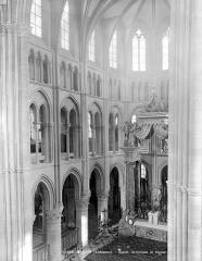 Eglise abbatiale Notre-Dame - Vue intérieure du chœur, côté nord