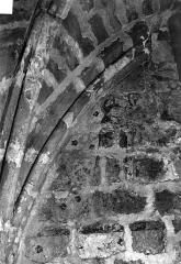 Eglise Saint-Pierre - Restes de peintures murales