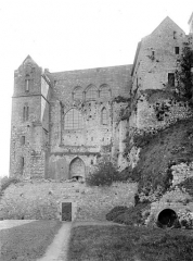 Abbaye et dépendances - Merveille : Cloître et charnier, côté ouest