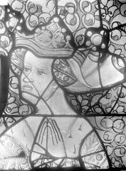 Cathédrale Saint-Julien - Relevé de panneau de vitrail (détail) : tête d'une reine priant