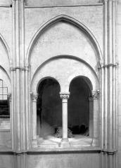 Eglise Saint-Rémi - Vue intérieure du transept : Travée de la tribune