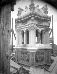 Cathédrale Saint-Gatien - Clocher sud : couronnement
