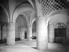 Ancienne abbaye Saint-Philibert - Eglise : vue intérieure du narthex