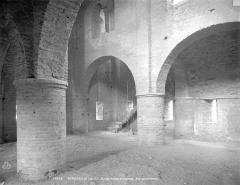 Ancienne abbaye Saint-Philibert - Eglise : vue intérieure de la nef supérieure