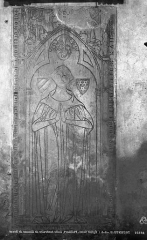 Ancienne abbaye Saint-Philibert - Eglise : dalle funéraire de Simone de Berci