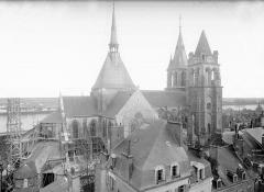 Eglise Saint-Nicolas-Saint-Lomer - Ensemble nord vu du château