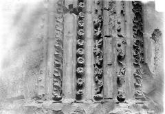 Basilique Saint-Denis - Portail du transept sud : Gorges et colonnettes de l'ébrasement