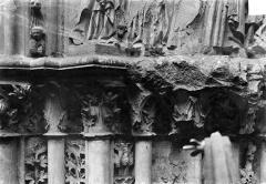 Basilique Saint-Denis - Portail du transept sud : Chapiteaux