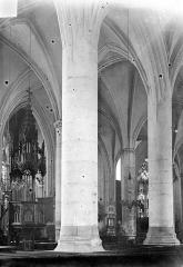 Eglise Saint-Martin - Vue intérieure prise du bas-côté sud vers le nord-est