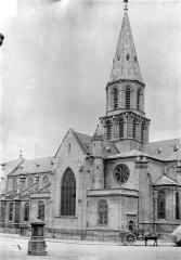 Eglise Saint-Pierre-Saint-Paul - Façade sud : Transept et clocher