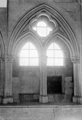 Eglise Saint-Pierre Saint-Paul - Vue intérieure de la nef : Arcade de la tribune