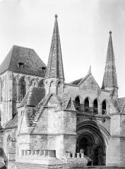Eglise Saint-Pierre, ancienne cathédrale - Transept sud : Angle sud-ouest