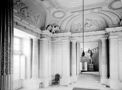 Domaine national : Château de Maisons-Laffitte - Vestibule de l'escalier