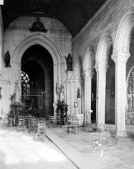 Eglise Notre-Dame de Roscudon - Vue intérieure de la nef vers le choeur